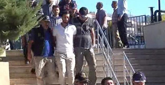 Erdoğan'ın otelini basan askerlerden 11'i adliyede