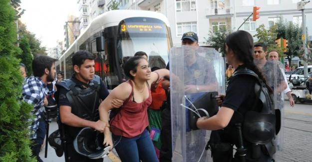 Eskişehir'de Özgür Gündem'e destek eylemine saldırı