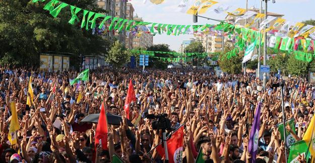 HDP mitinginde çocuklara gözaltı