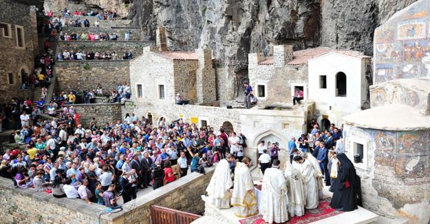 Trabzon'daki Sümela ayinine hükümet izin vermedi