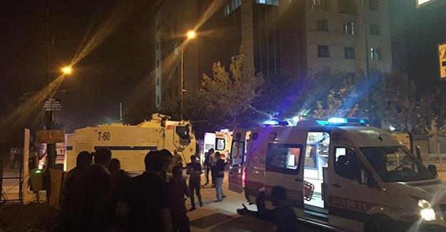 Van'da ilçe emniyet müdürlüğüne saldırı: 4 yaralı