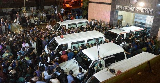 Bangladeş'te fabrika yangını: En az 20 kişi öldü