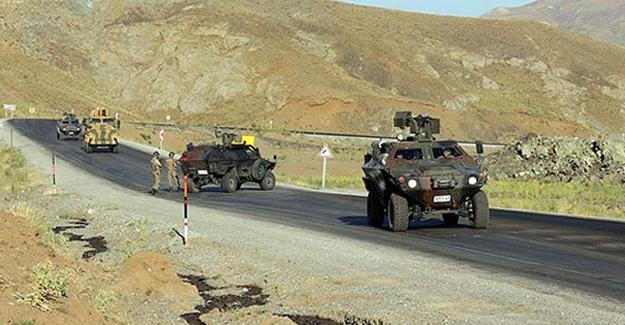 Bitlis'te askeri aracın geçişi sırasında patlama