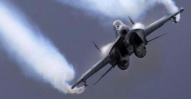 Deyr ez-Zor'da Suriye savaş uçağı düşürüldü