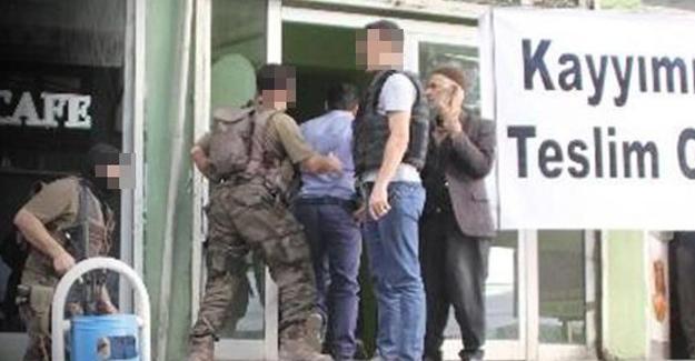 Hakkari DBP il binasına polis baskını