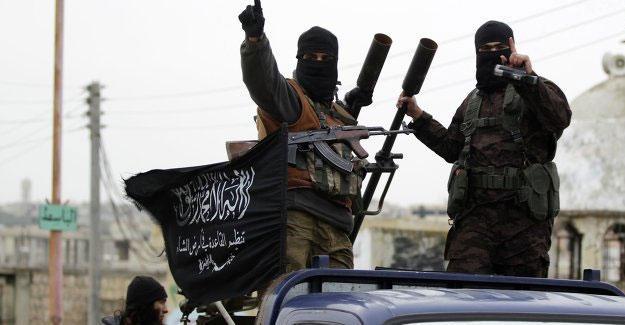 Independent'a konuşan IŞİD'li: Örgüt Cerablus'u terk etmedi, sakalını kesti