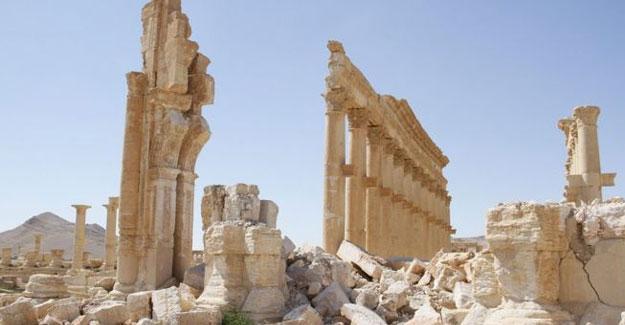 IŞİD'in yok ettiği antik eserler Kolezyum'da sergilenecek