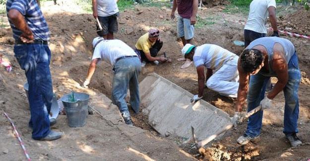 İznik'te Roma dönemine ait lahit bulundu