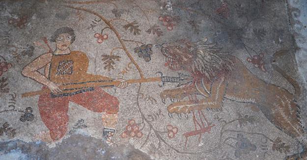 Konya'da 1400 yıllık mozaik bulundu
