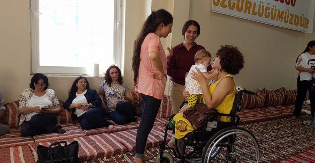 Lisa Çalan açlık grevini ziyaret etti