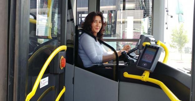 Manisa'nın tek kadın otobüs şoföründen kadınlara çağrı