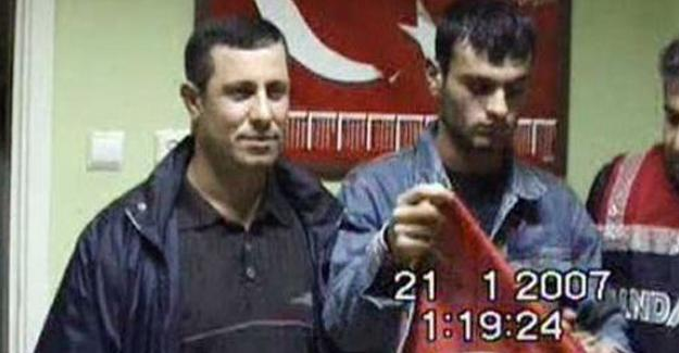 Ogün Samast'la poz veren 2 polis meslekten ihraç edildi