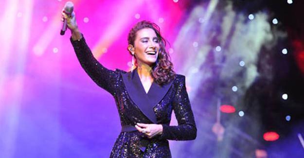 Sıla İzmir'de konser verecek