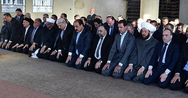 Suriye'de ateşkes başladı, Esad bayram namazını Deraya'da kıldı