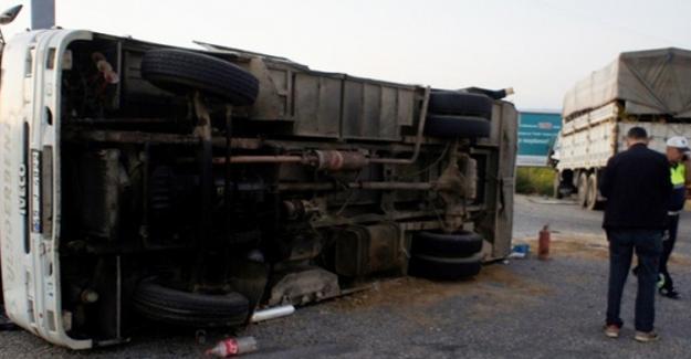 Tarım işçilerini taşıyan araç devrildi: 9'u ağır 31 yaralı
