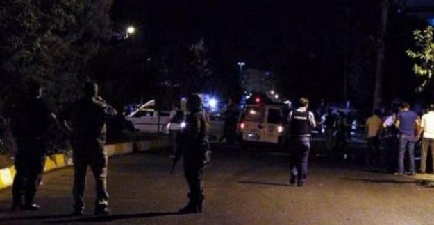 Van'da polislerin ateş açtığı aracın sürücüsü yaralandı