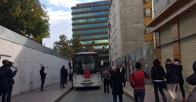 Cumhuriyet gazetesine operasyon: Gözaltılar var