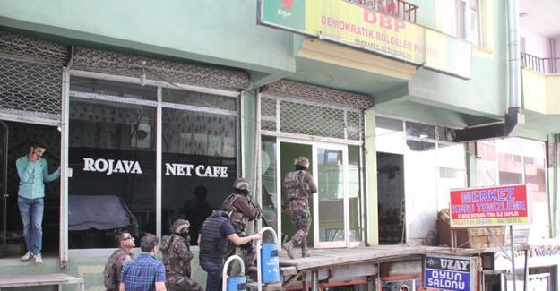 DBP ve HDP Hakkari il örgütlerine eş zamanlı polis baskını