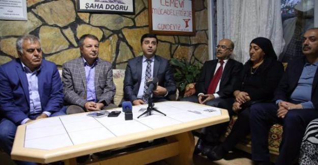 Demirtaş'tan OHAL tepkisi: Senin derdin darbe ile mücadele değil