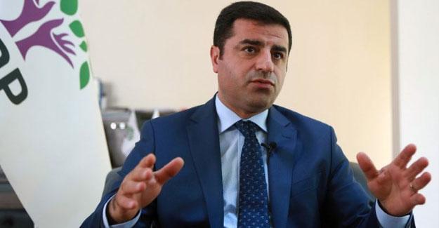 Demirtaş: Yenikapı ruhu, Erdoğan'ın dizinin dibinde duruyor