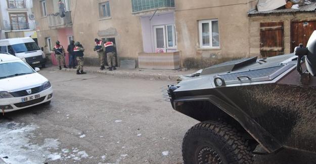Dersim'de ev baskınları: 2 gözaltı