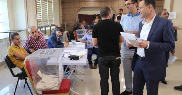 Diyarbakır Barosu'nun yeni başkanı Ahmet Özmen
