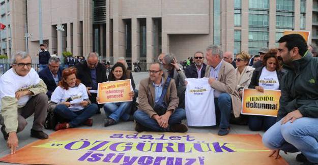Gazeteciler için 'Adalet ve özgürlük' eylemi