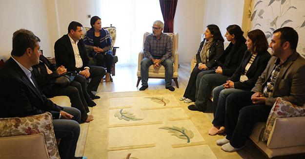 HDP'den Kışanak ve Anlı'nın ailesine dayanışma ziyareti