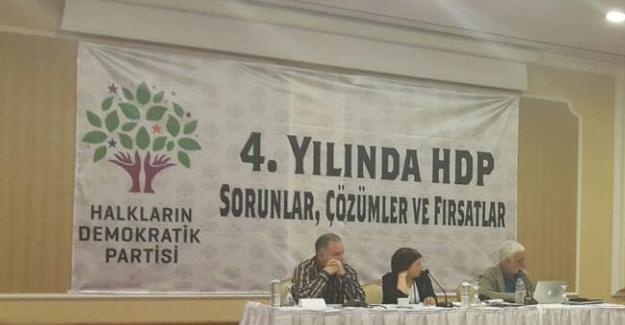 """HDP'den özeleştiri ve """"siyasal ve örgütsel seferberlik"""" kararı"""