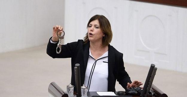 HDP'li Beştaş, Kışanak'ın gözaltına alınmasını Meclis'te kelepçe ile protesto etti