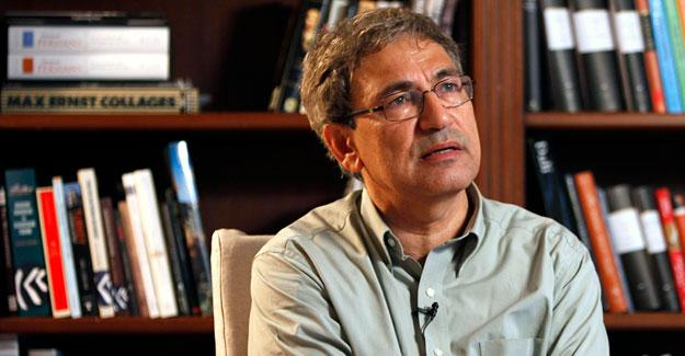 Orhan Pamuk: Darbelere duyulan hoşgörü, Türkiye'de darbe girişiminin önünü açtı