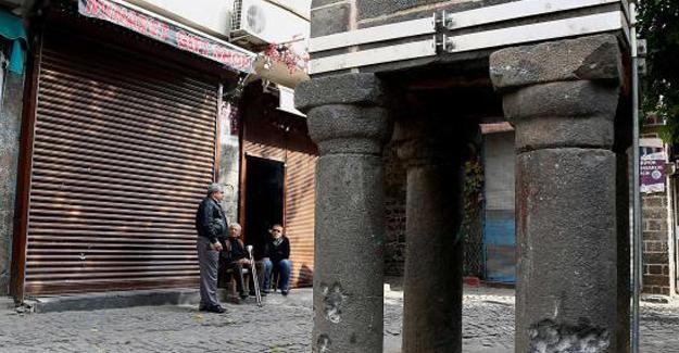 Robert Fisk: Türkiye'nin Kürt başkentindeki yıkım Suriye'ye eşdeğer