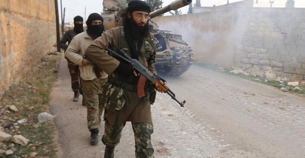 Suriye'de cihatçılar arasında başlayan çatışmalar şiddetlendi