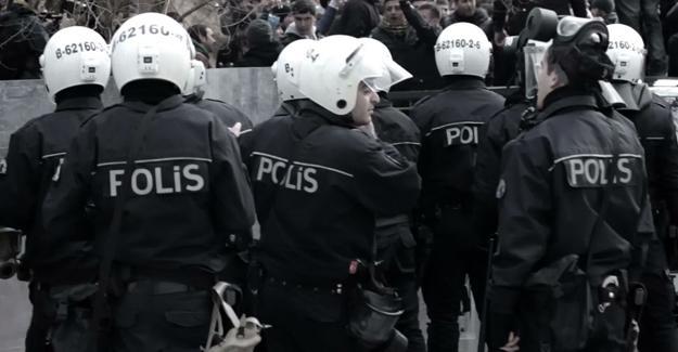 Urfa'da 45 polis görevden uzaklaştırıldı
