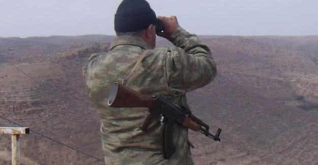 Yüksekova'da korucular silah bıraktı
