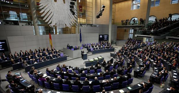 Almanya'da Türkiye protestosu: 'Artık yeter-Es reicht-Edi Bese'