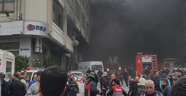 Bayrampaşa'da Kilimciler Sanayi Sitesi'nde yangın: Mahsur kalan işçiler var