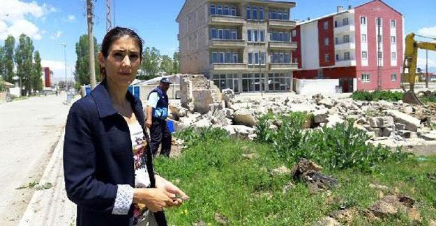 Çaldıran Belediye Eş Başkanı Suna Atabay tutuklandı