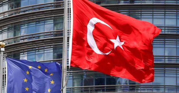 'Erdoğan'ın otoriterliği Türkiye'nin AB üyeliğini engelliyor'