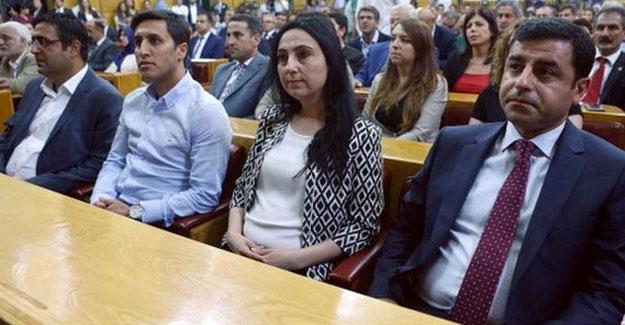 Meclis çalışmalarını durduran HDP nasıl bir yol izleyecek?