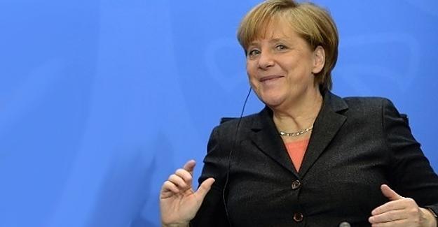 Merkel yeniden aday olacak