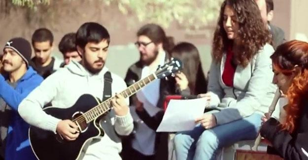 ODTÜ'lü öğrencilerden rektör atamalarına şarkılı protesto