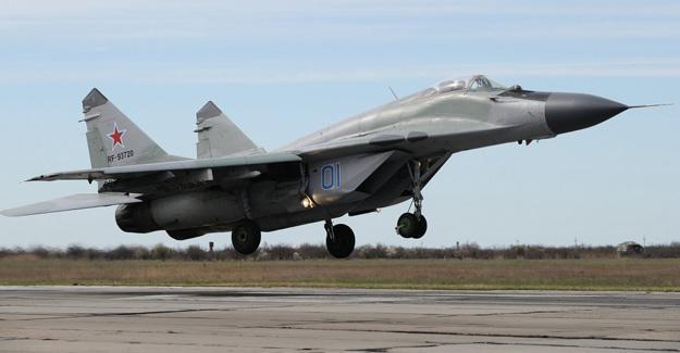 Rus uçağı Akdeniz'de düştü