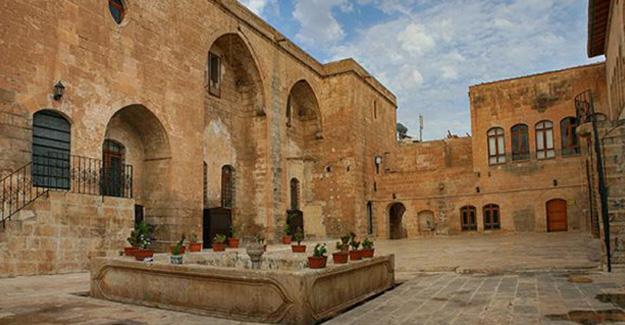 Urfa'da Süryanilere ait tek tarihi kilise İlahiyat Fakültesi Vakfı'na verildi