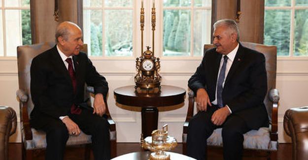 Başbakan Yıldırım ve Bahçeli'den anayasa açıklaması