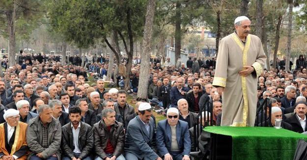 """HDP'li vekile """"sivil cuma namazı"""" davası"""