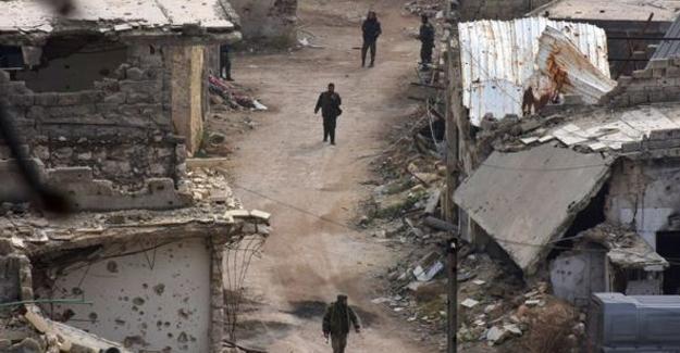 Muhalifler Halep'te ellerindeki bölgelerin yüzde 70'ini kaybetti