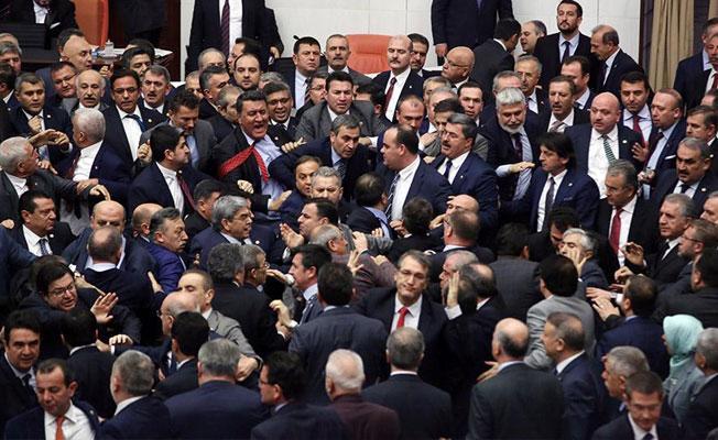 Anayasa değişikliği teklifinin 9. maddesi de kabul edildi