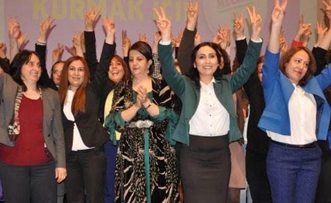 HDP'den AKP'ye: Cahiliye döneminde yaptıkları helvadan putları acıkınca yiyenler gibi