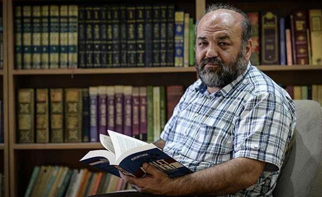 İhsan Eliaçık: Hükümet cehalete teslim oldu